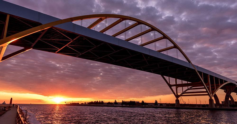 Milwaukee - Hoan Bridge