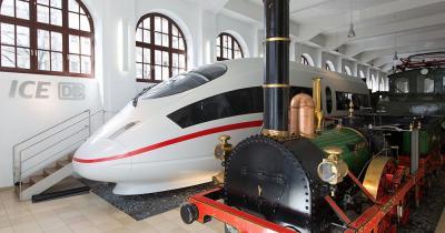 Deutsche Bahn Museum - Adler und ICE