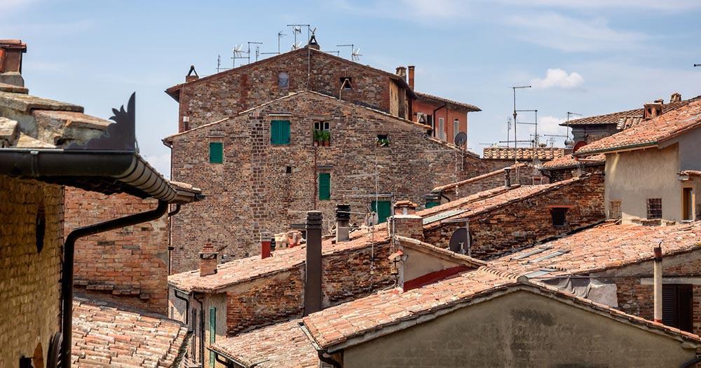 Trasimenischer See / Dächer von Citta della Pieve