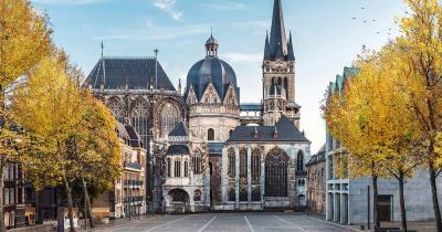 Aachener Dom / Aachener Dom von außen