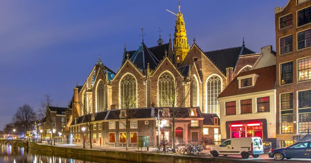 Amsterdam - Blick auf die Oude Kerk