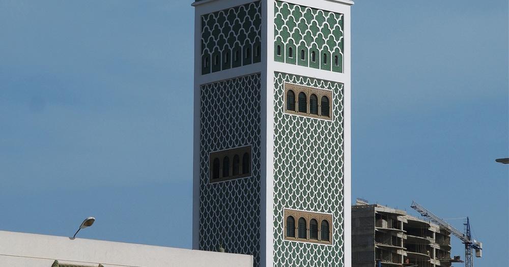 Dakar / Minarett der Moschee