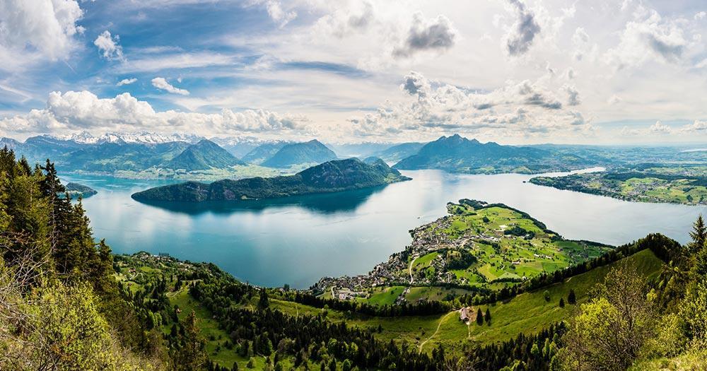 Vierwaldstättersee / Panoramablick über den Vierwaldstättersee