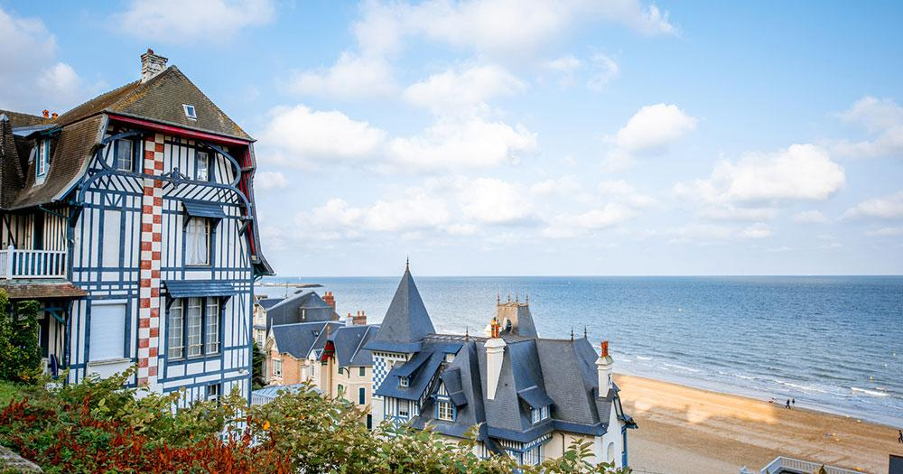 Deauville / Luxushäuser am Strand