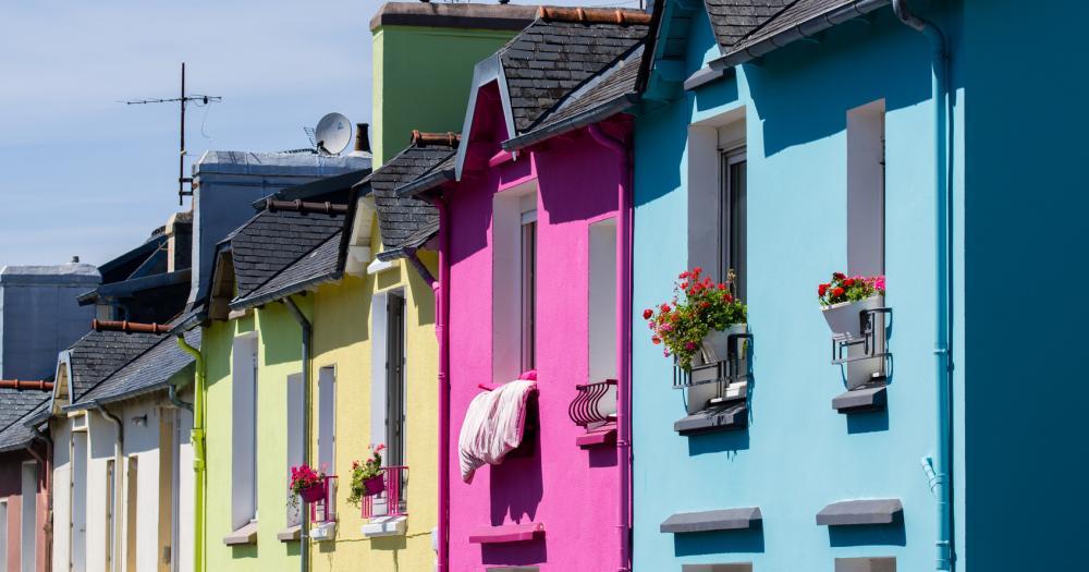 Brest - Blick auf bunte Häuserfassaden