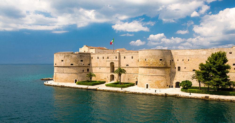 Tarent / das Castello Aragonese