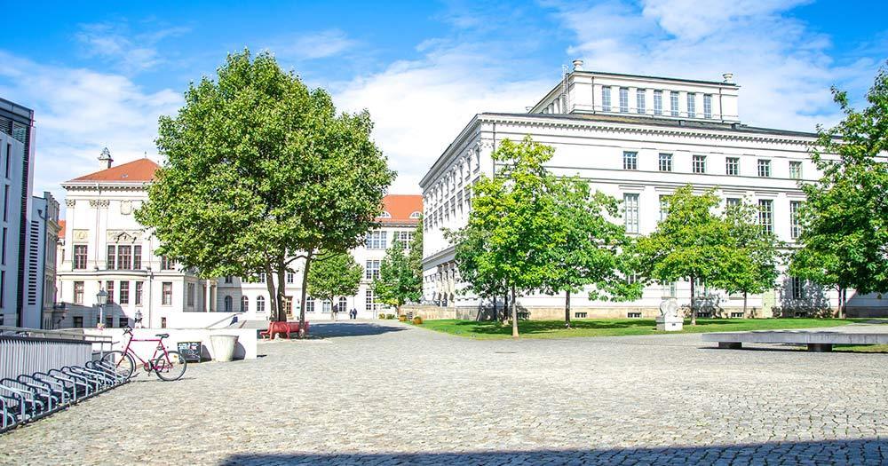Halle / Universitätsplatz in Halle Saale
