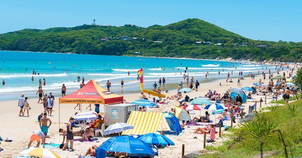 Byron Bay / Strand mit Menschen