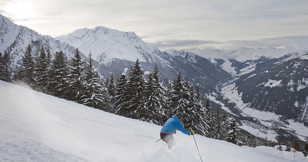 Mayrhofen - Tiefschnee Abfahrt mit tollen Bedingungen