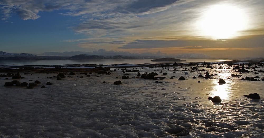 Arctic Coast Way / Sonnenaufgang in Island