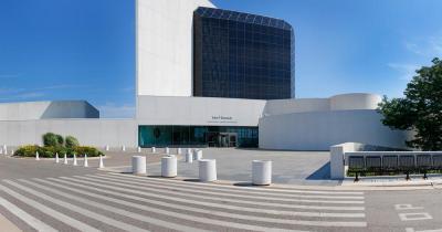 John F. Kennedy Bücherei und Museum / das Gebäude der John F. Kennedy Bücherei