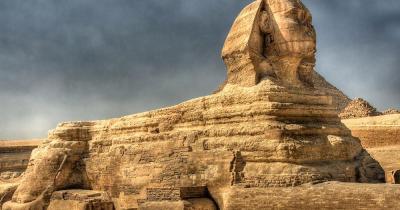 Große Sphinx von Gizeh - die Sphinx vonn der Seite