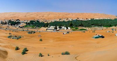 Rimal Al Wahiba - Panorama des Dorfes im Wahiba-Sand