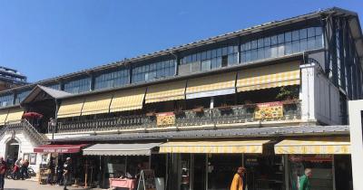 Stadt Markt Pula - Markthalle mit Cafés