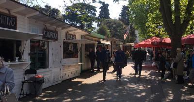Stadt Markt Pula - Markt mit Delikatessen