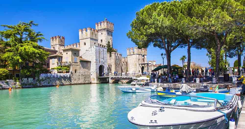 Gardasee - Blick auf Burg von Bardolino