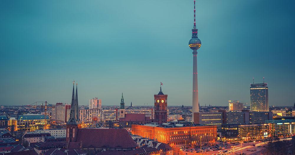 Berlin - Skyline von Berlin im Sonnenuntergang