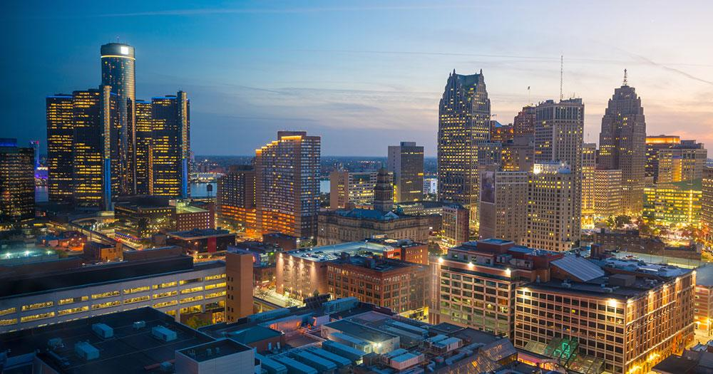 Detroit - Downtown im Abendlicht