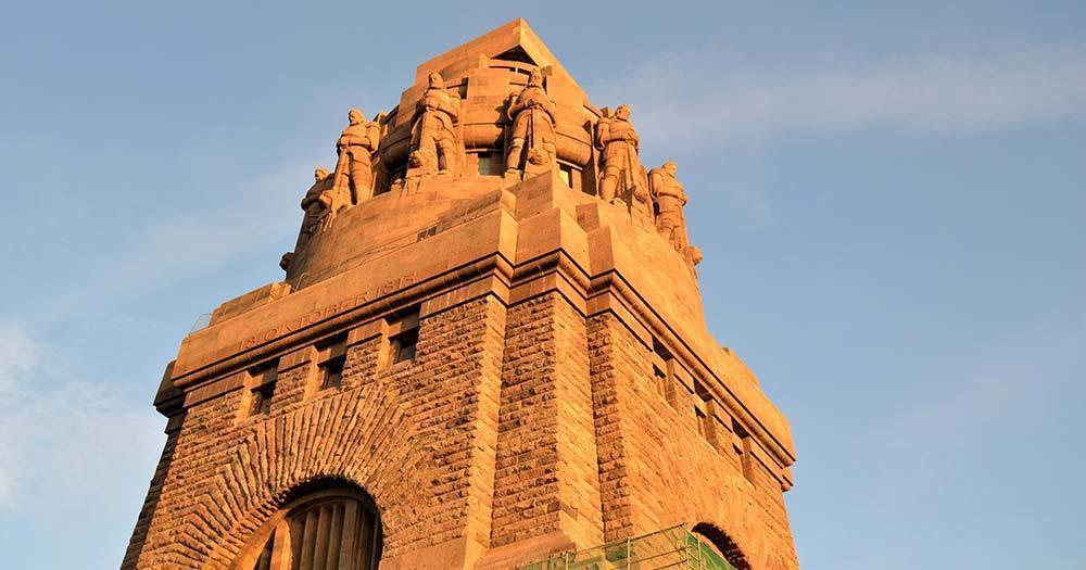 Völkerschlachtdenkmal - Turm in Nahaufnahme
