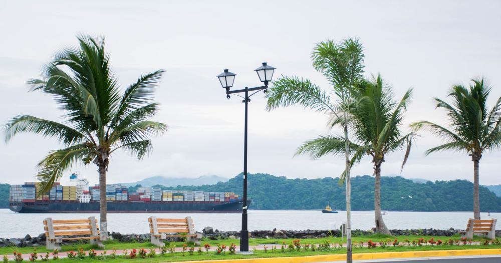 Panama-Stadt - Blick auf den Panama Canal