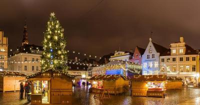 Weihnachtsmarkt Tallinn - Am Rathausplatz von Tallinn