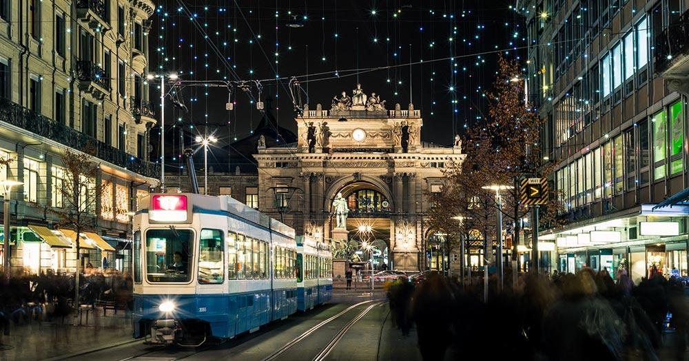 Zürich - Weihnachtsshopping in der Bahnhofsstraße
