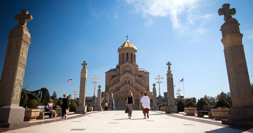 Tiflis - Kathedrale Tsmind Sameba