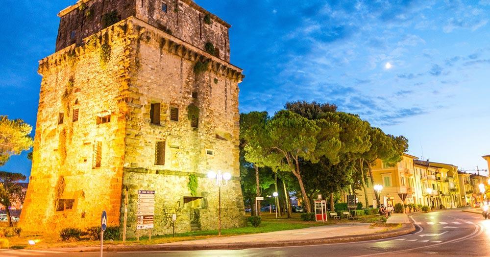 Viareggio - Torre Mathilde bei Nacht