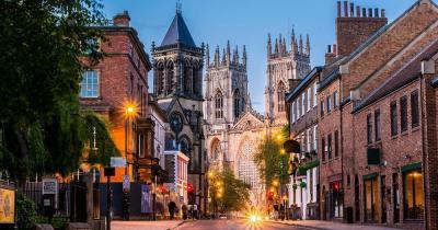York - die abendlichen Straßen von Yorkshire