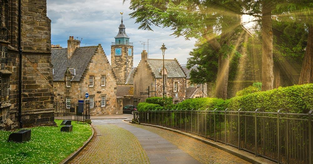 Stirling - Old Town im Gegenlicht