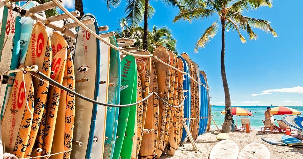 Honolulu - Surfbretter am Waikiki Strand