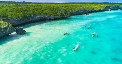 Sansibar - Küste mit glasklarem Wasser