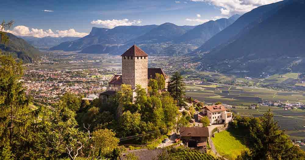Südtirol - Blick auf Schloss Tirol in Bozen