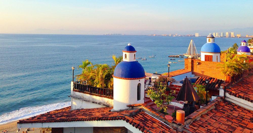 Puerto Vallarta - die blauen Kuppeln der Skyline