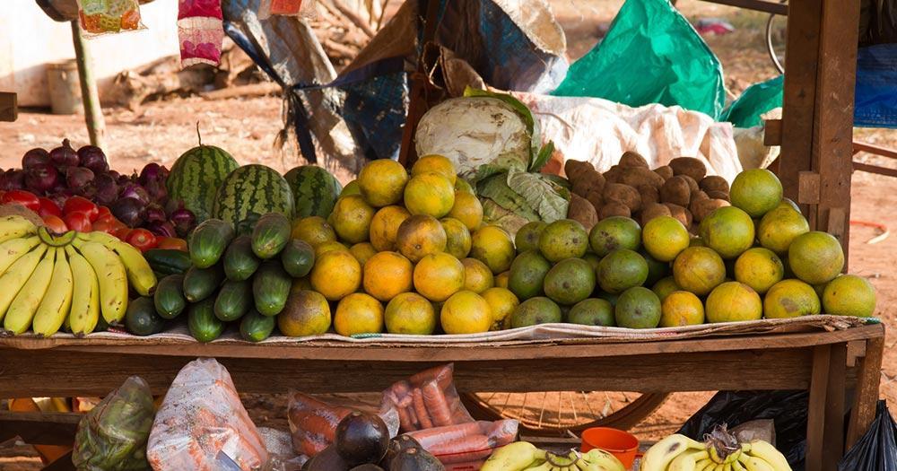 Arusha - Karatu Früchte Stand