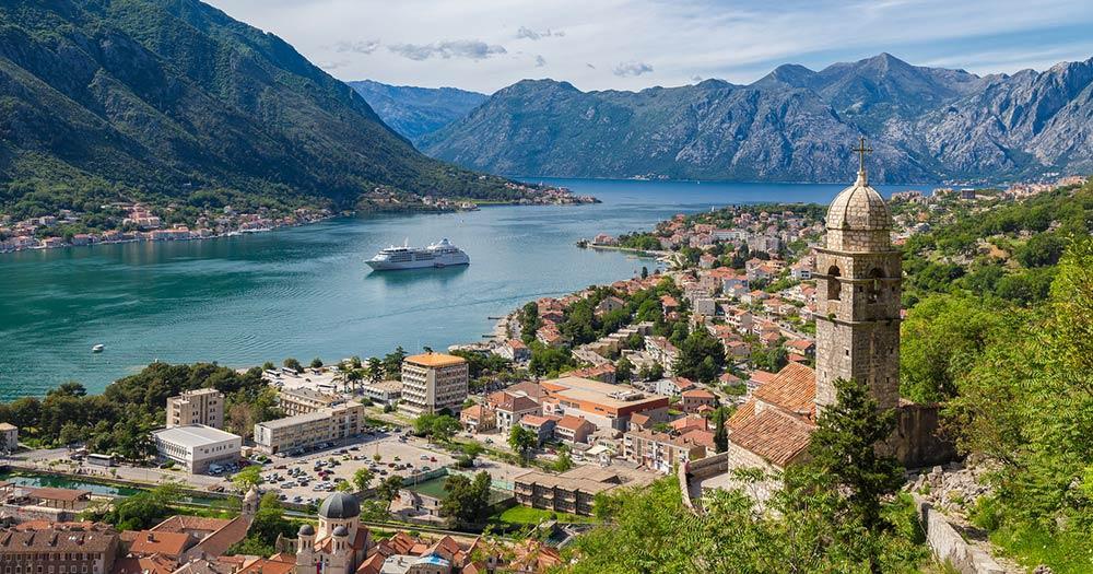 Kotor - Die Bucht mit historischem Ortskern