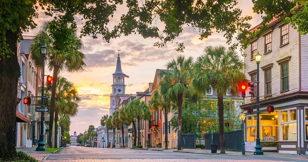 Charleston - Malerischer Boulevard am Morgen