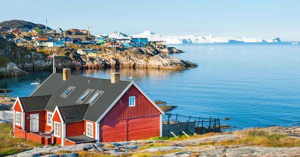 Ilulissat - Farbenfrohe Häuser an der Küste