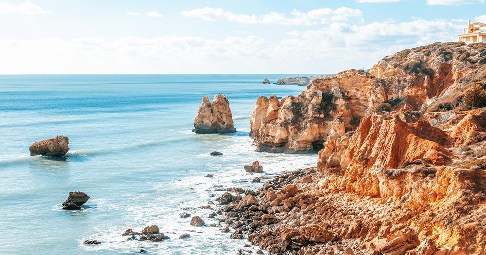 Praia - malerische Küste