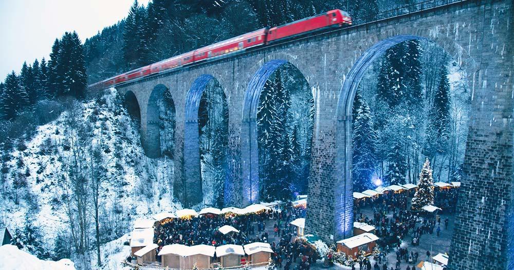 Ravenna - Weihnachtsmarkt unter der Eisenbahnbrücke