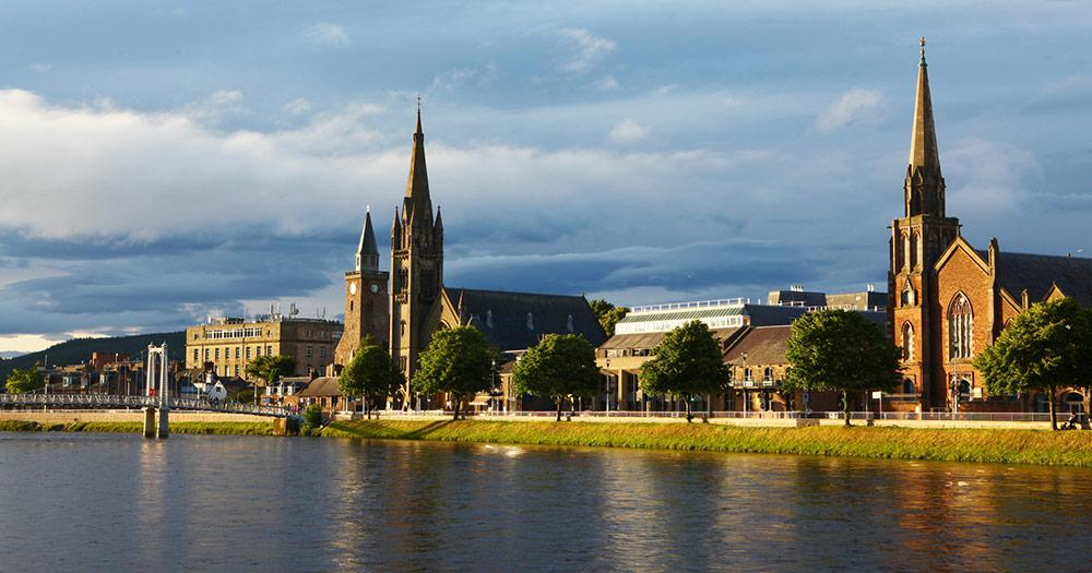 Inverness - am Fluss Ness