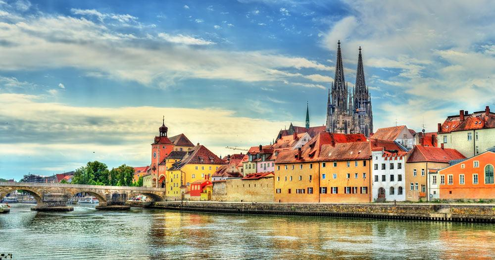Regensburg - Fluß und Brücke