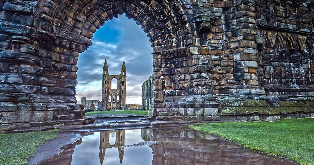 St. Andrews - Spiegelung der Kathedrale