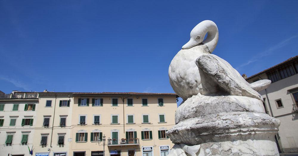 Prato - Entenstatue am Piazza del Duome